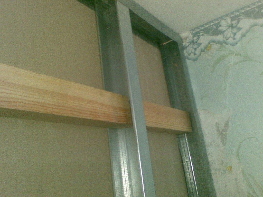 закладной брус в стене из ГКЛ