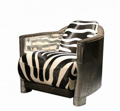 кресло обтянутое мехом
