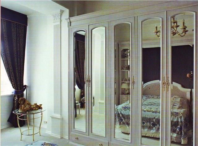 зеркальные поверхности в спальне арт-деко