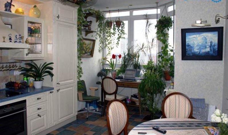 эркер в интерьере кухни