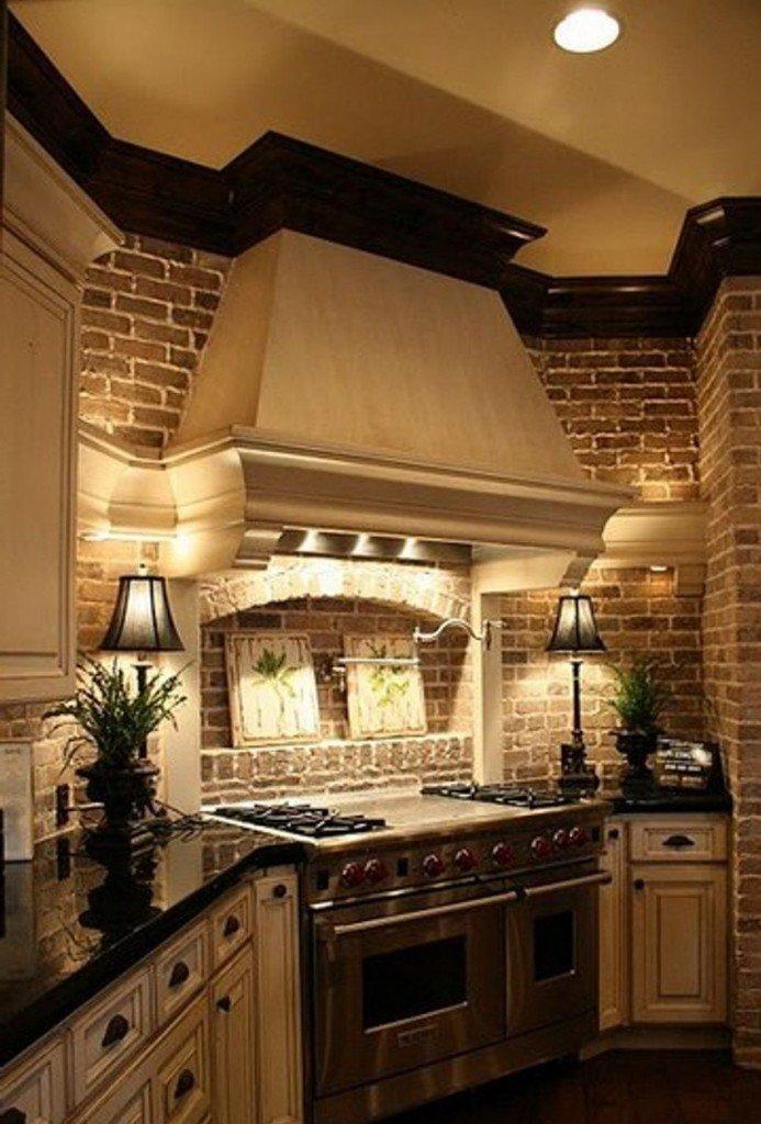 кухонная стена из камня