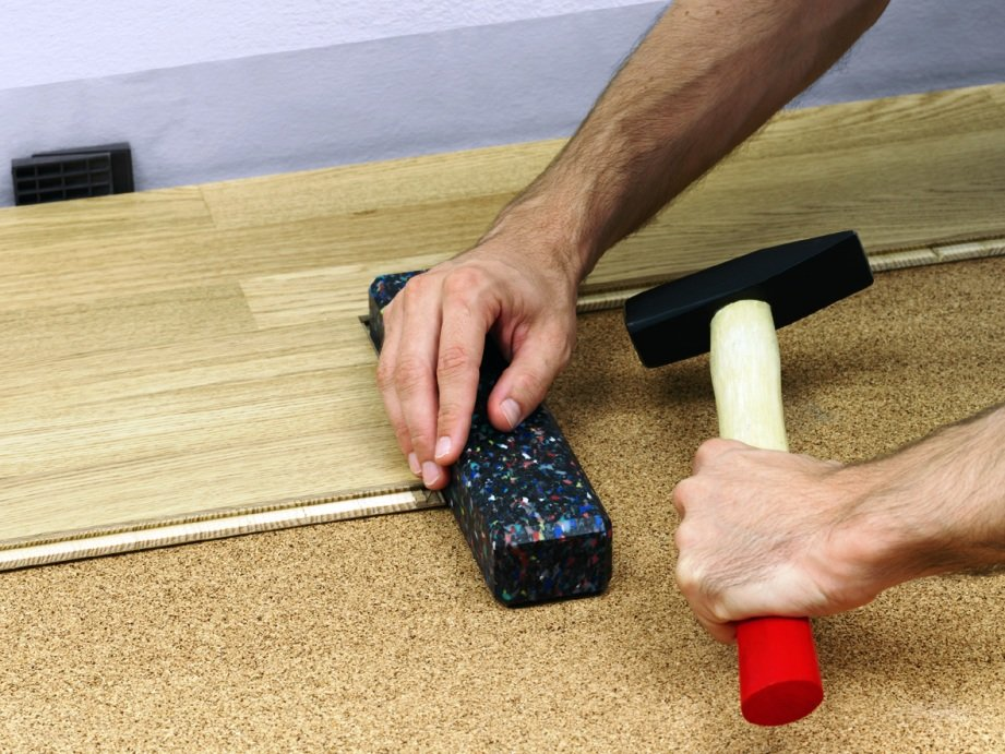 пробковая подложка для укладки напольного покрытия