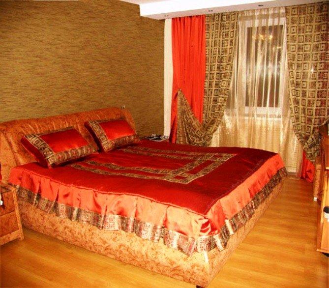 яркие цвета текстиля в китайском стиле