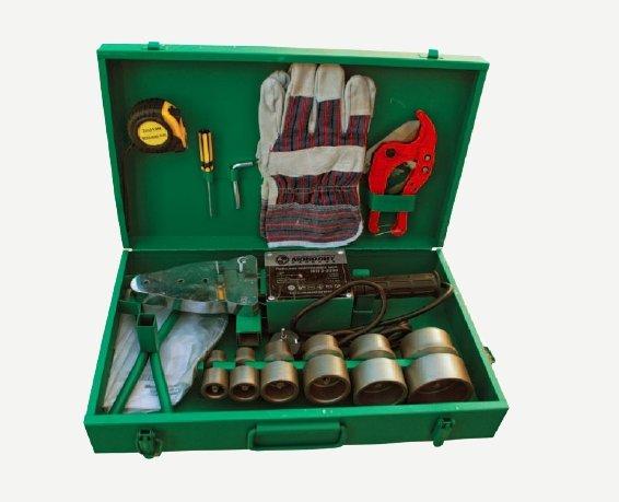 паяльник и необходимые инструменты для монтажа полипропилена