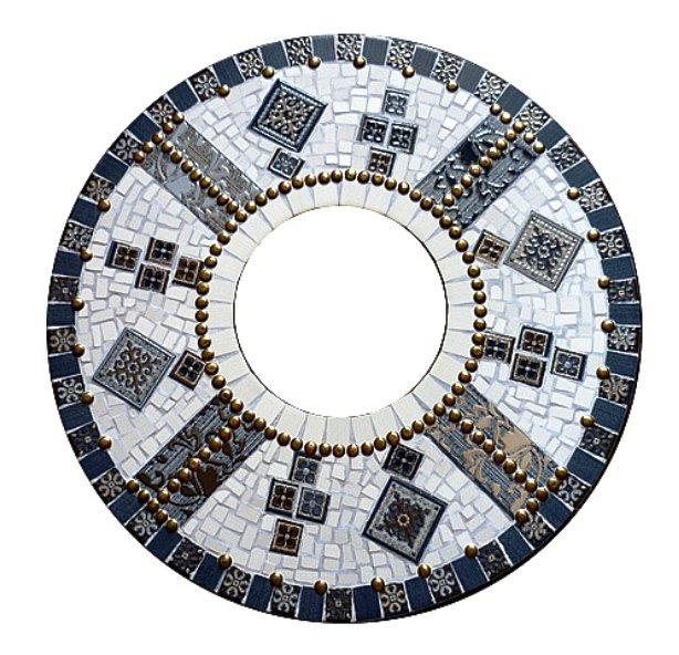 декорирование кусочками мозаики