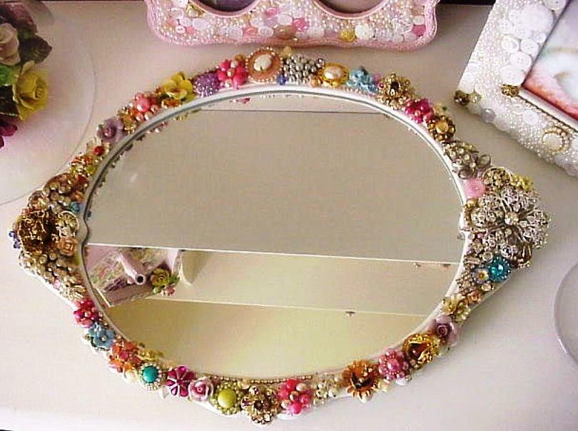 зеркало для интерьера в стиле поп-арт