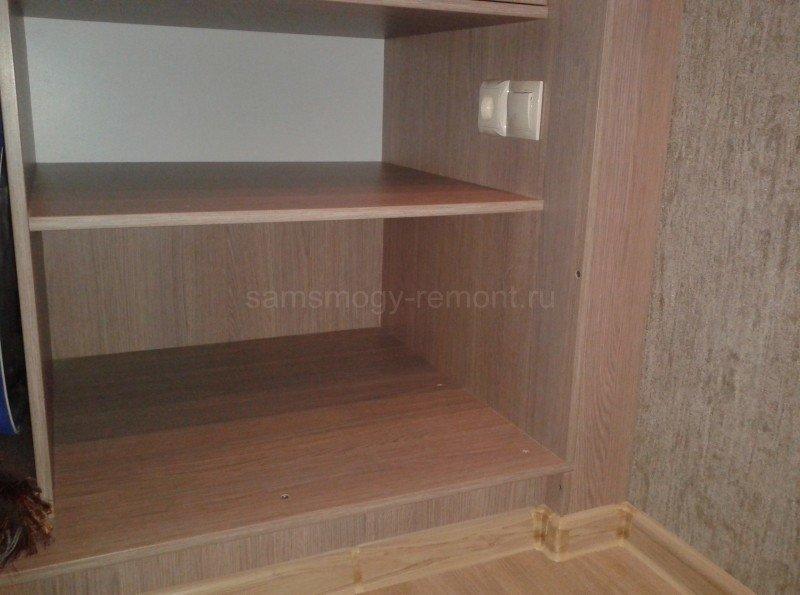 плинтус установлен на цоколь шкафа