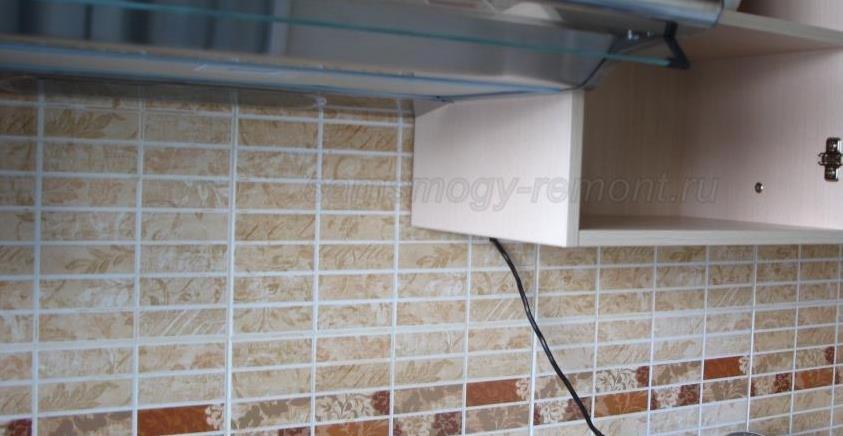 шкафчик с установленным на шканты дном