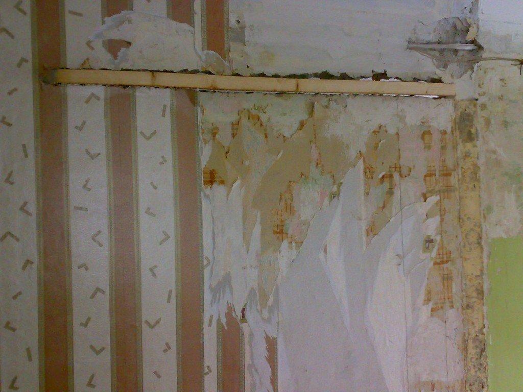 брус для удержания части стены на проемом