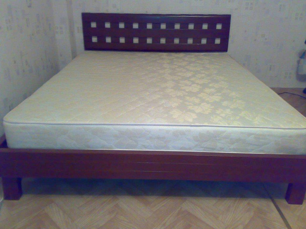 кровать из сосны с матрацем