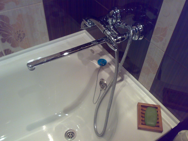 Установка плинтуса на ванну своими руками