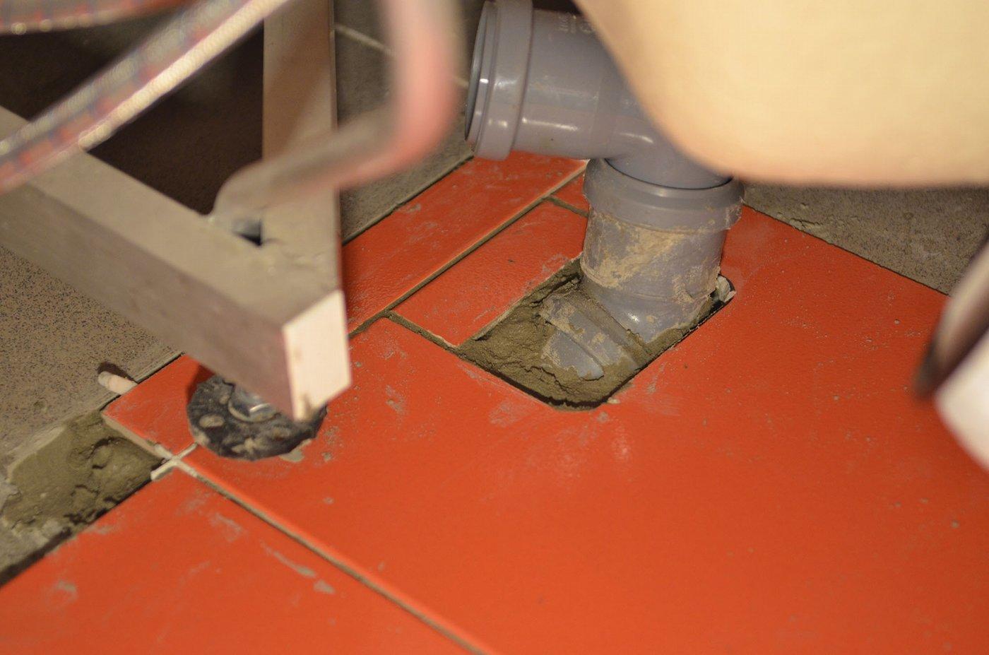 Разметка плитки на пол в ванной своими руками