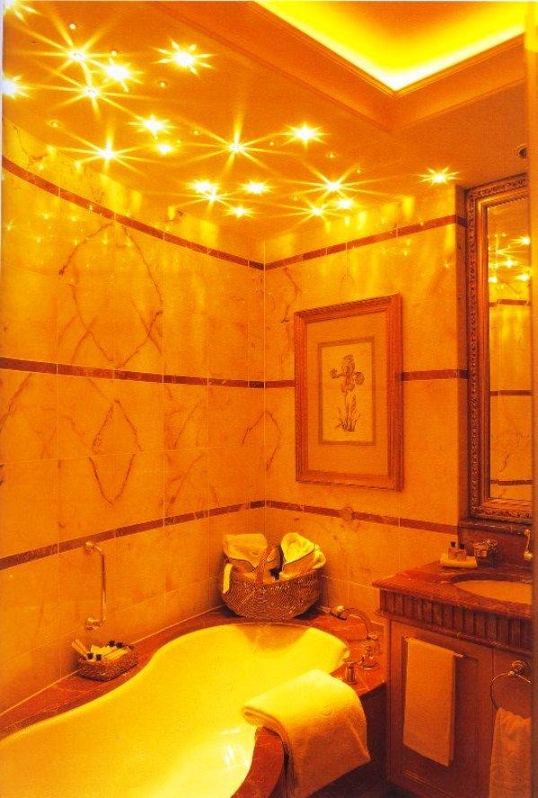 свет как элемент декора для ванной