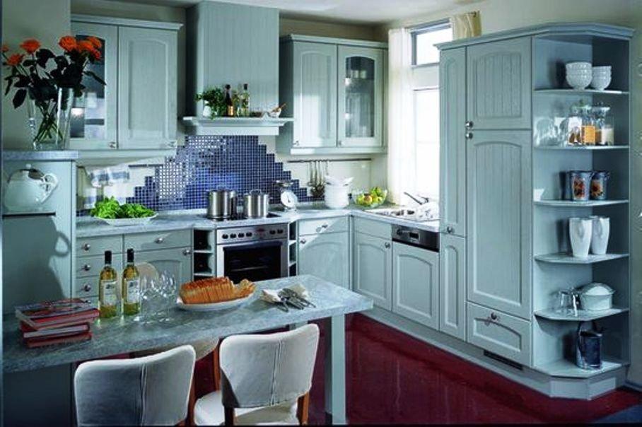 несколько ярких аксессуаров на кухне