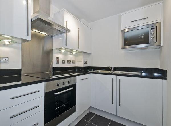 Мебель кухни в стиле хай-тек