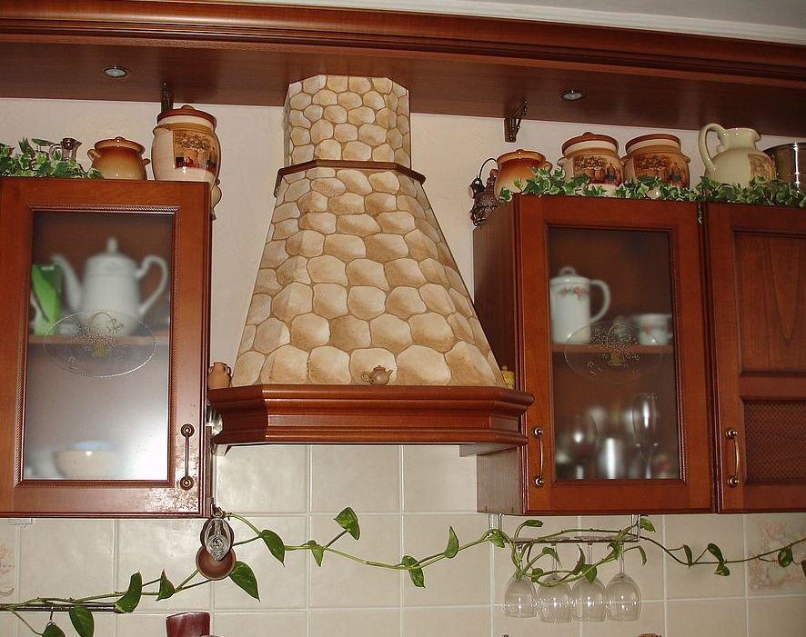 кухня в украинском стиле - вытяжка