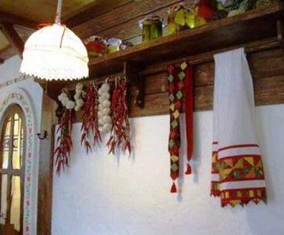 свет на кухне в украинском стиле
