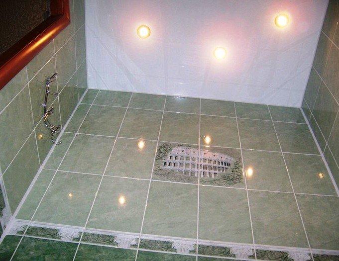 потолок для туалета в квартире
