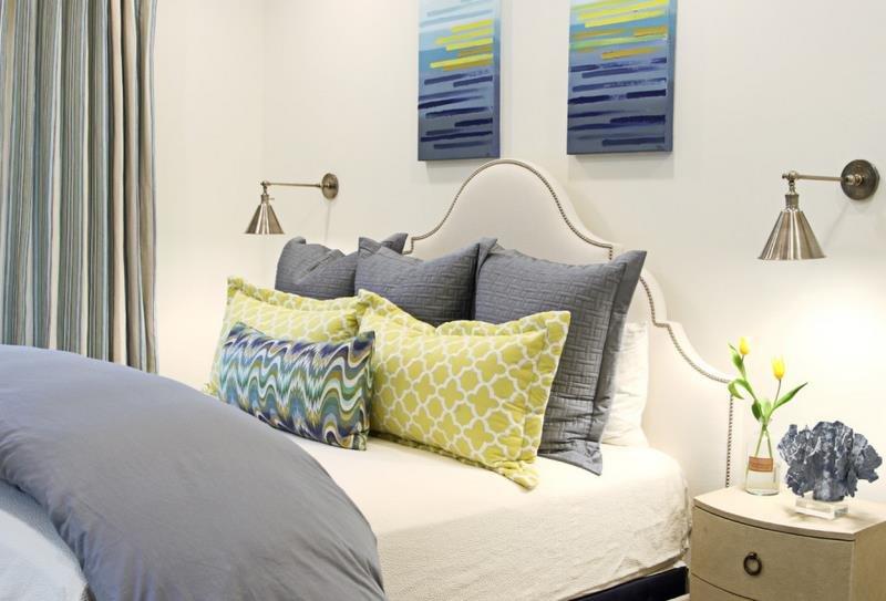 Картины в современной спальне - творите сами!