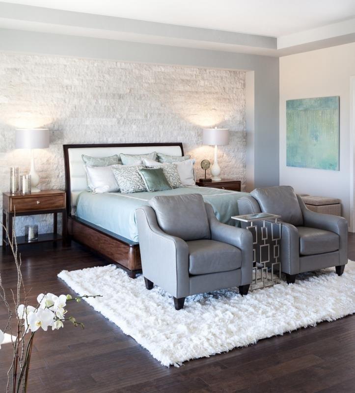 Камень в современной спальне