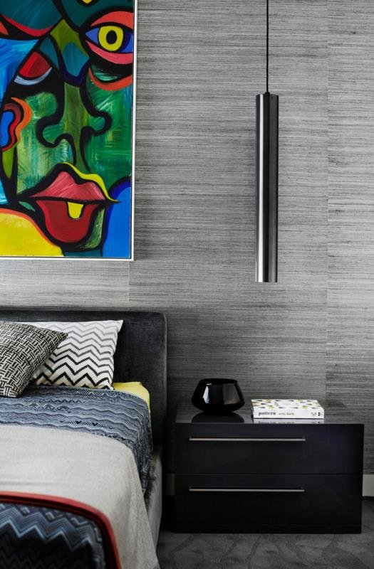 Картина в современной спальне - рисуйте сами!