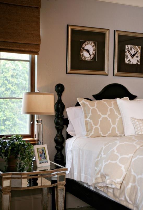 Фото часов в декорировании современной спальни