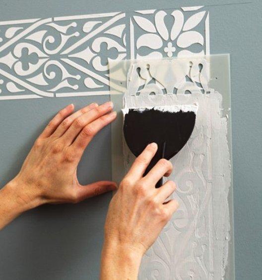 трафаретный рисунок в декорировании стен
