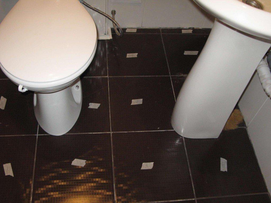 ремонт пола в маленькой ванной