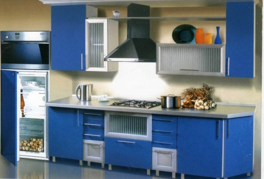 широкая цветовая гамма кухонных фасадов из ДСП