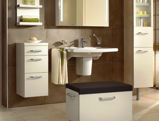 Шкаф для ванной комнаты напольный