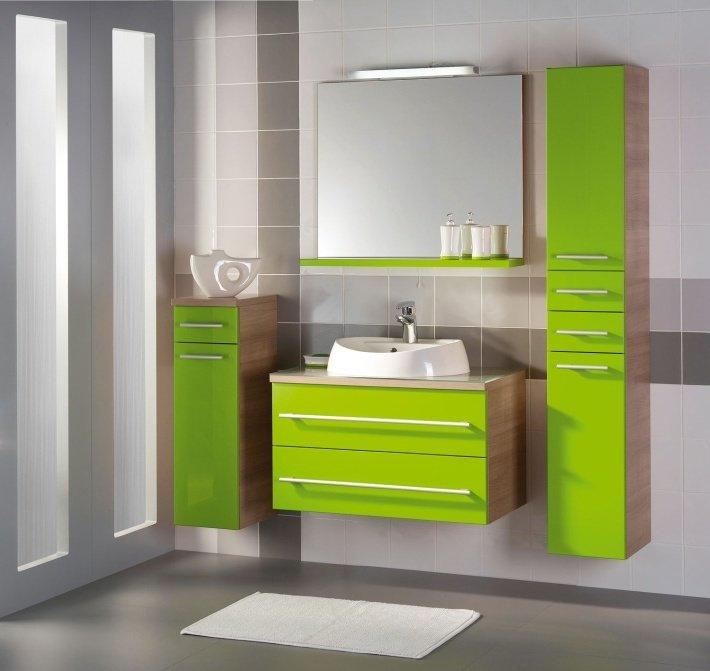 разный уровень для шкафчиков в ванной