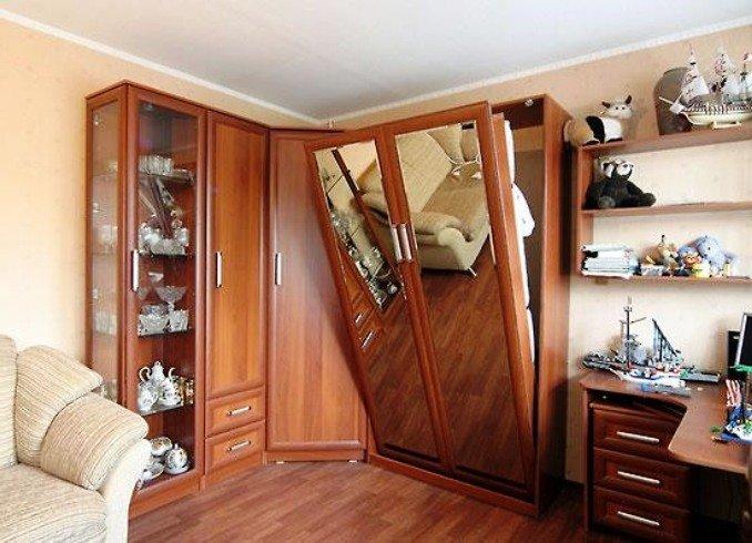 шкаф-кровать в спальне - гостиной