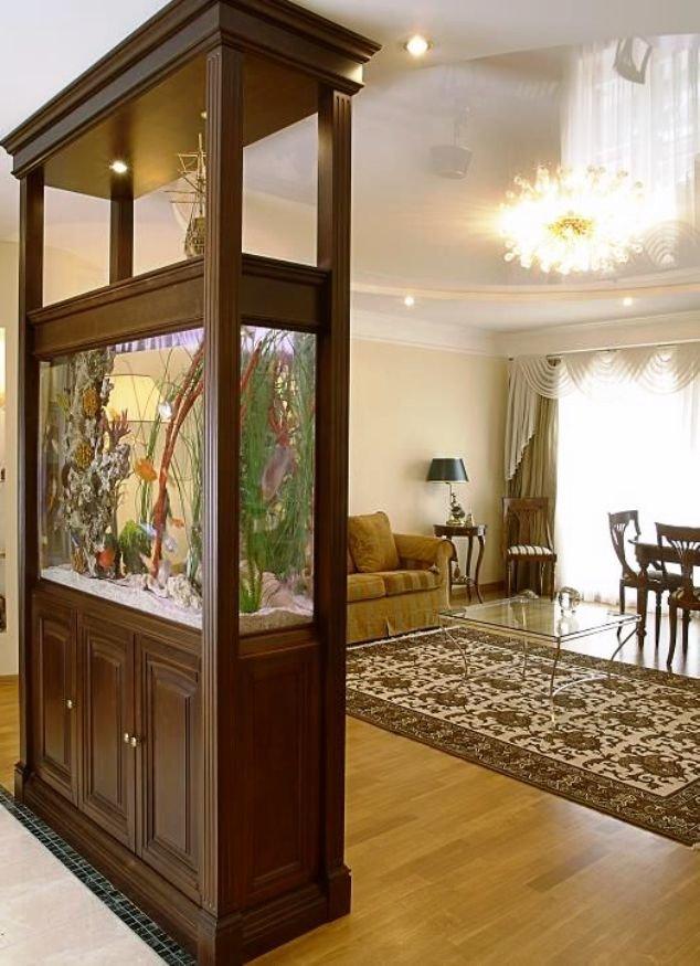 аквариум в интерьере квартиры