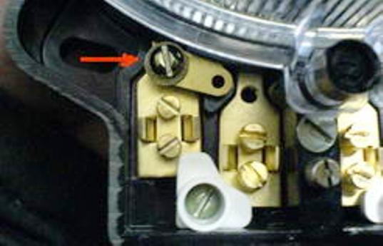 12. Включаем двухполюсный автомат (пакетный выключатель); 13.  Проверяем схему подключения: если все сделано...