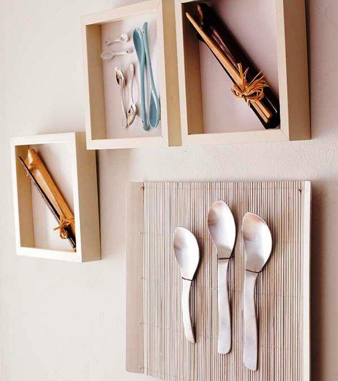 декор стены на кухне из коллажей