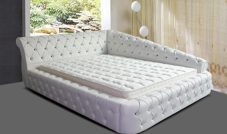 кровать из кожи