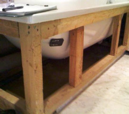 готовый каркас для прикрытия пространства под ванной
