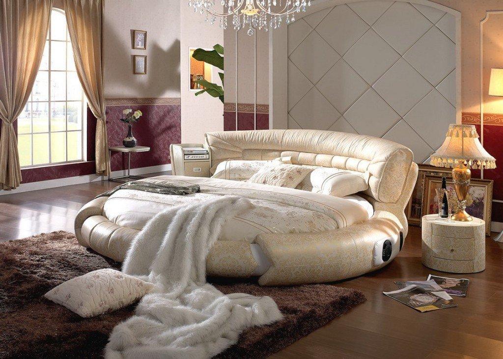 круглая кровать - подходящее решение для многих интерьерных стилей