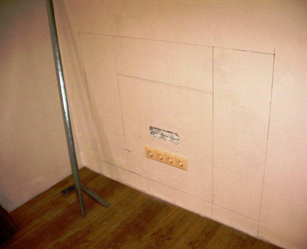 разметка стены под каркас фальш-камина