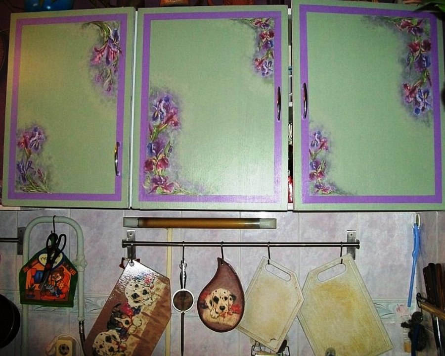 декупаж на кухонныых шкафчиках