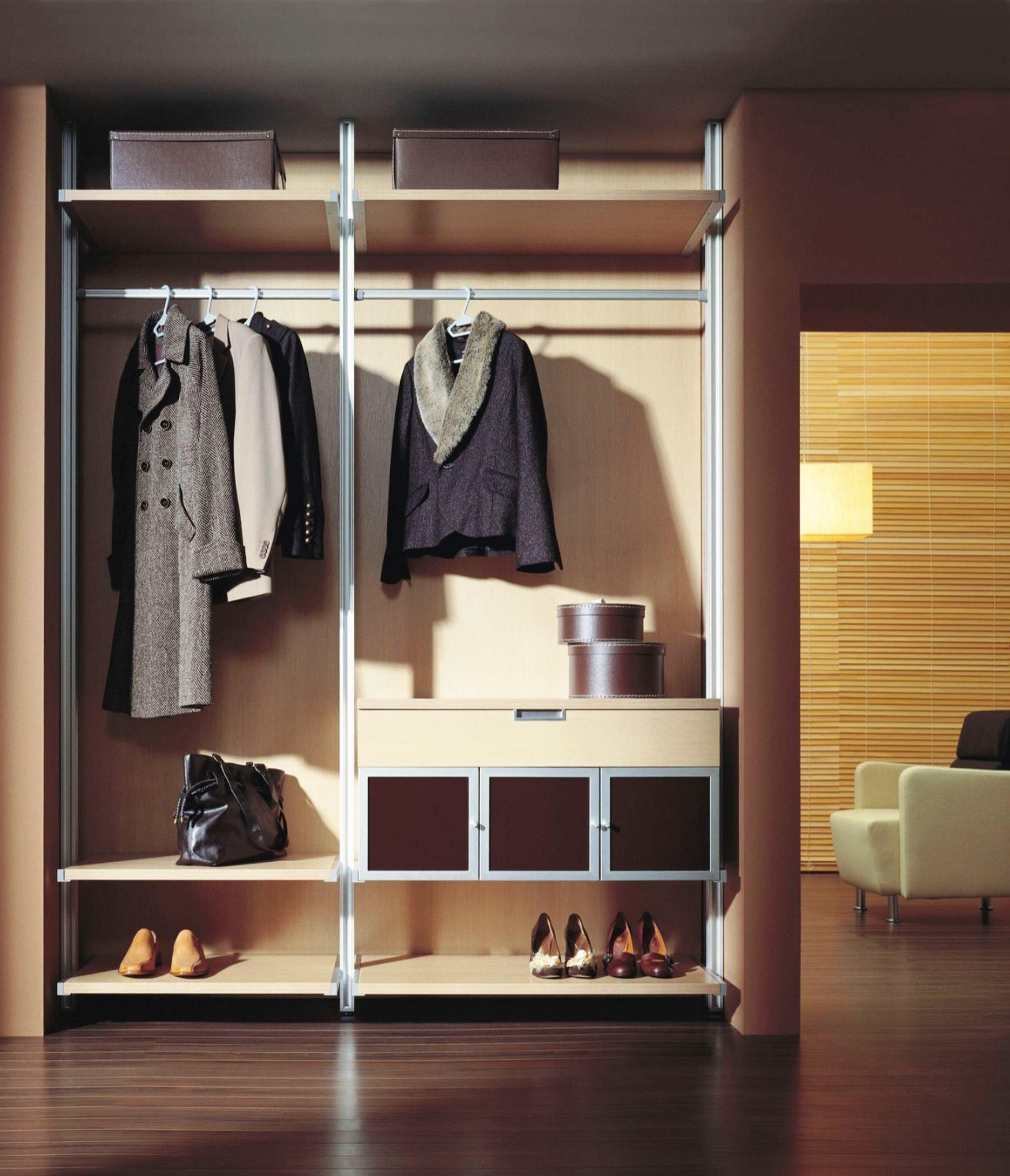 Шкаф в прихожую: вместительные встроенные компактные.