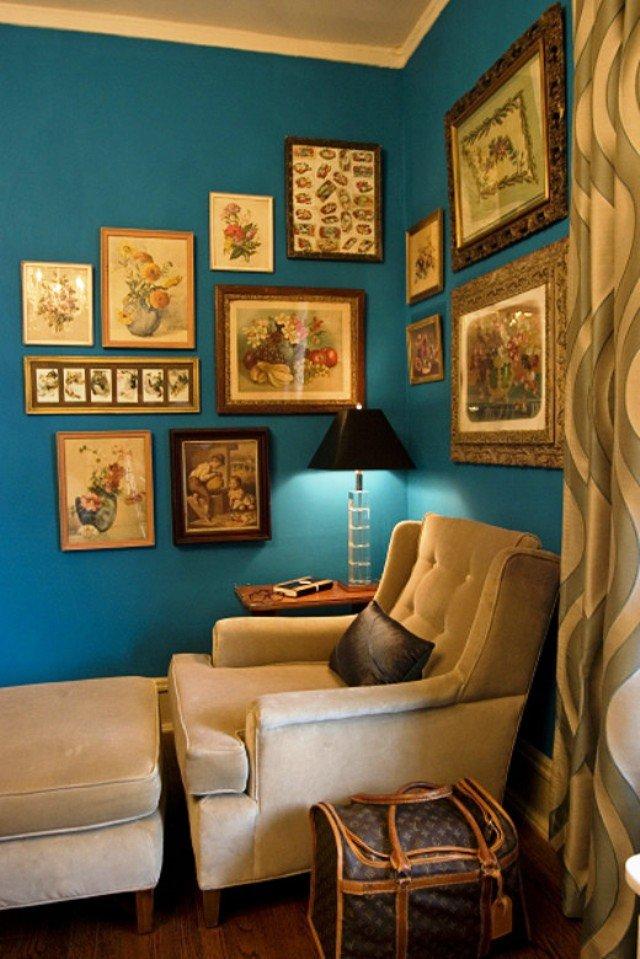 синий цвет как фон для галереи