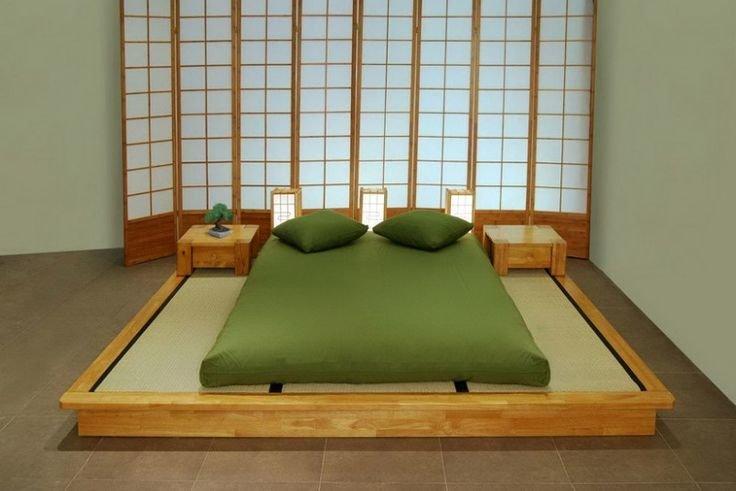 Минимализм японского стиля применим к маленькой спальне