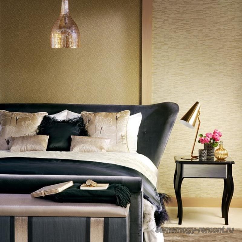 Комбинирование разнофактурных обоев в спальне