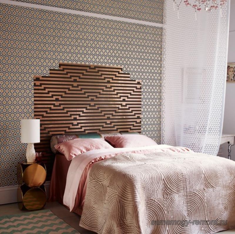 Геометрическое комбинирование в оформлении спальни