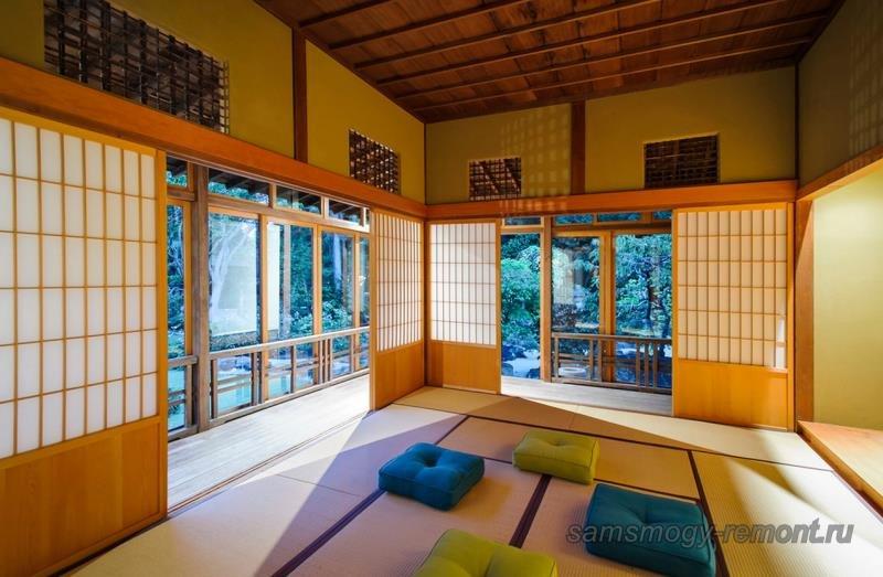Амадо - внешние перегородки, современный застекленный вариант. Сёдзи обрамляют комнату