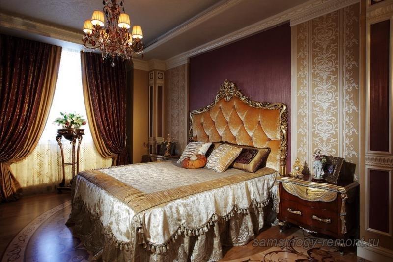 Роскошь классики в комбинированных обоях спальни