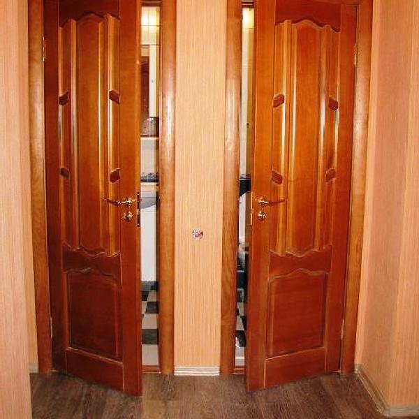 традиционные распашные двери